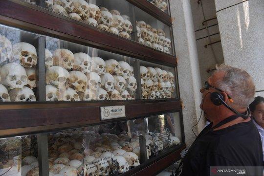 Obyek wisata ladang pembantaian di Kamboja