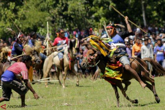 Masyarakat Sumba Tengah diminta tak kunjungi arena Pasola