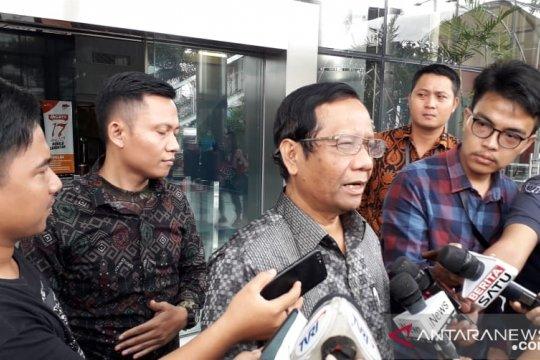 Mahfud MD tanggapi soal tiga ibu kampanye hitam di Karawang