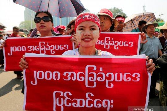Upaya Suu Kyi untuk ubah piagam sulut protes di Myanmar
