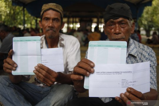 Pembagian gaji abdi dalem Keraton Kasunanan Surakarta