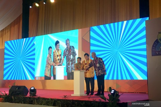 Ganjar Pranowo bangga pakai batik produksi siswa SLB