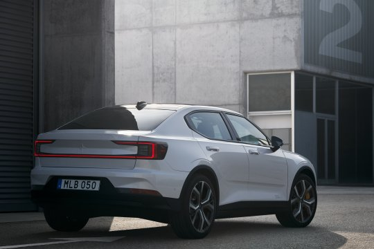 Volvo Polestar 2 digadang-gadang bakal saingi Tesla Model 3