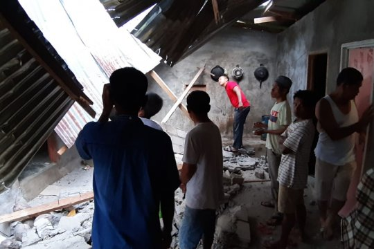 Semen Padang kirim logistik untuk korban gempa Solok Selatan