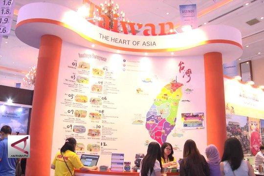 Paket wisata harga miring di Astindo Travel Fair