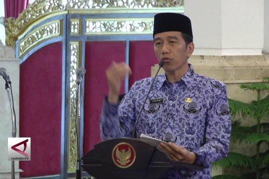 Jokowi ingin ASN dekat dengan rakyat