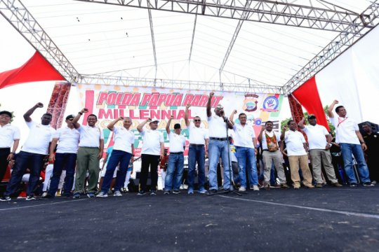 Ribuan warga hadiri sosialisasi Millennial Road Safety Festival di Manokwari
