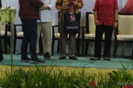 Mahfud MD: Buku Denny Indrayana bisa jadi panduan berperkara di MK terkait pemilu