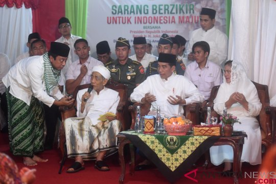 Romahurmuziy klarifikasi video Kiai Maimoen doakan keberhasilan Prabowo