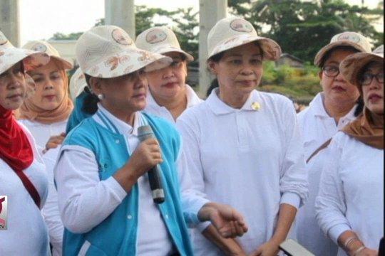 Iriana Jokowi pimpin aksi bersih pantai di Ambon