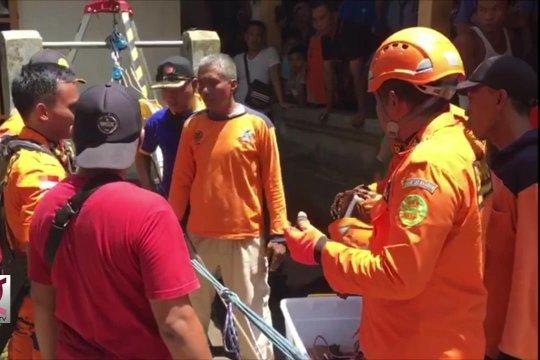 SAR evakuasi dua korban terjebak di dalam sumur warga