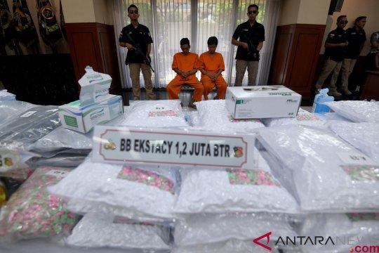 Polisi tangkap enam tersangka penyelundup 16 kg narkoba