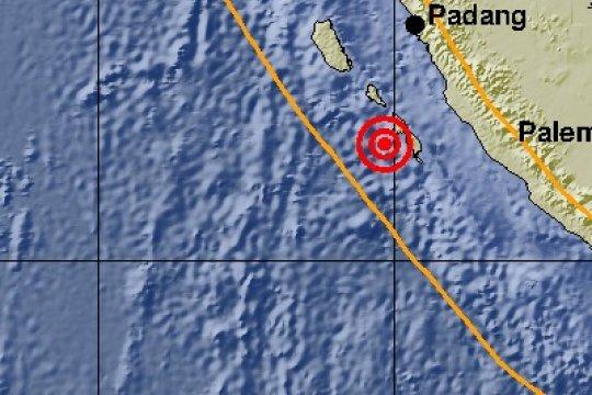 Gempa susulan masih terjadi berpusat di Mentawai