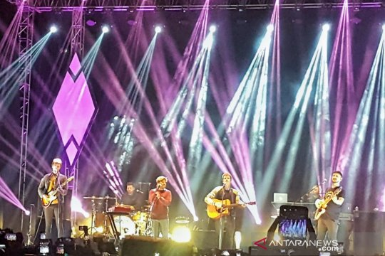 "Kejutan konser Kodaline, Abdul Idol tampil bawakan ""All I Want"""