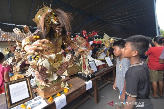Anak-anak TK di Denpasar ikuti Parade Ogoh-ogoh jelang Nyepi