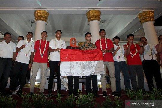 "Prestasi Timnas U-22 dorong Khofifah bangun ""sport center"""