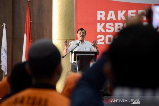 Luhut pastikan pemerintah jamin nasib buruh lokal di Blok Rokan