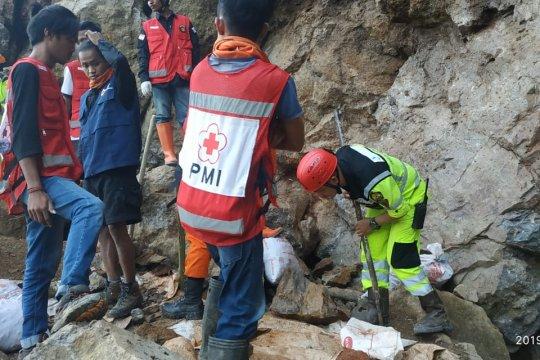 Bantu korban tambang ilegal di Sulut, J Resources kirim alat berat