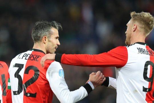 Van Persie kemas trigol, Feyenoord gilas Emmen 4-0