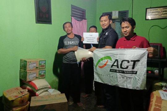 ACT Lampung salurkan bantuan kepada korban banjir di Pringsewu