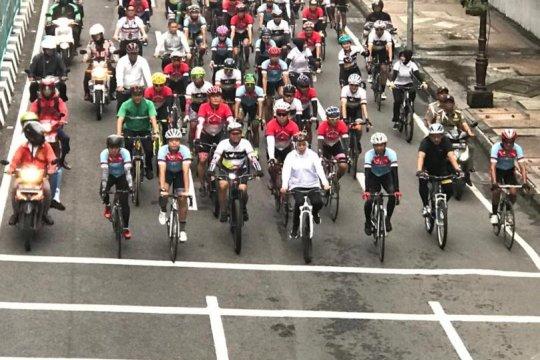 50 Pesepeda Jelajahi Trans Jawa dari Surabaya ke Jakarta