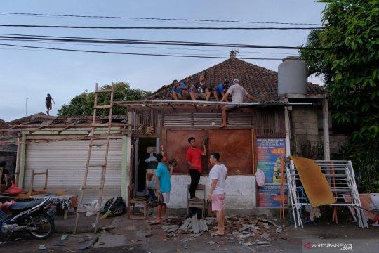 Belasan rumah warga Jembrana-Bali rusak akibat angin puting beliung