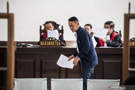 Pembelaan Fahmi Darmawansyah
