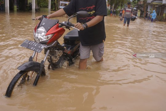 Banjir bandang landa 10 kecamatan di Trenggalek