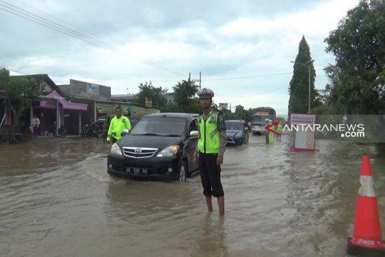 Banjir ganggu kelancaran jalur arteri Madiun-Surabaya