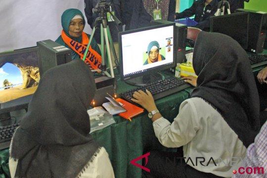 202 CJH dan 56 petugas kloter Pekanbaru lakukan rekam biometrik