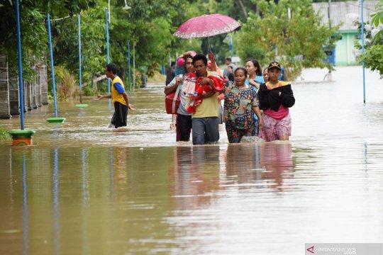 Debit air Bengawan Madiun berangsur surut