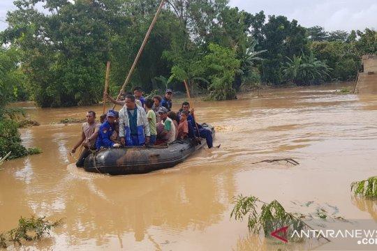 PLN salurkan bantuan korban bencana Manggarai Barat