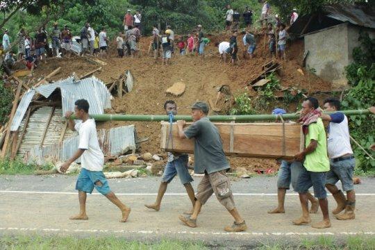 Satu balita korban longsor Manggarai Barat belum ditemukan