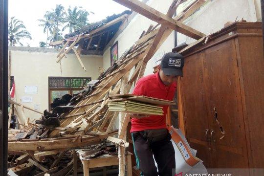 Wabup Karangasem tinjau bangunan TK di Nongan ambruk