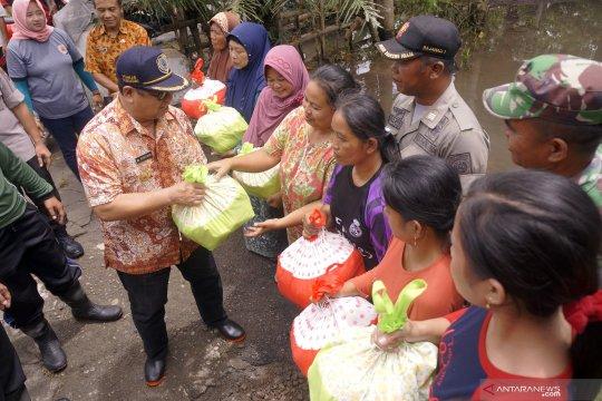 Bantuan untuk korban banjir Tulungagung disalurkan