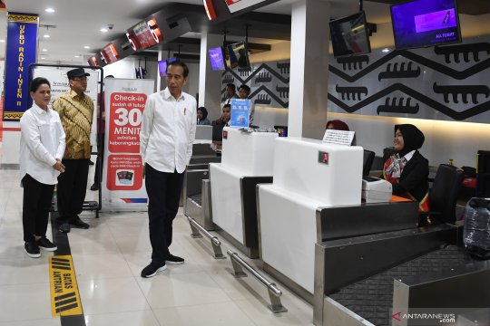 Presiden resmikan terminal baru Bandara Raden Inten II