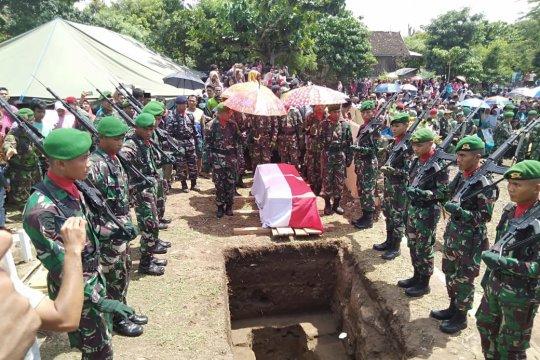 Ribuan warga iringi pemakaman Sertu Mirwariyadin