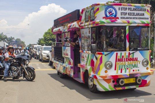 Pataka relay Milenial Road Safety tiba di Karawang