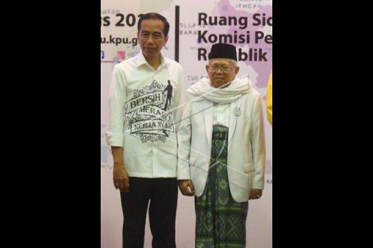 Pedagang Pasar Waru Semarang mengapresiasi kinerja Presiden Jokowi