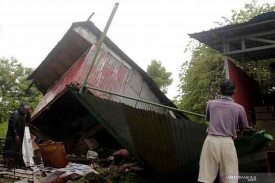 BPBD : delapan kabupaten di NTT terdampak bencana angin kencang