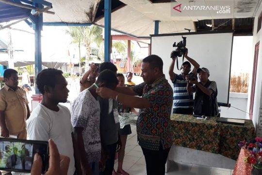 Kembangkan pariwisata, pemuda Wondama dibekali kemampuan jurnalistik