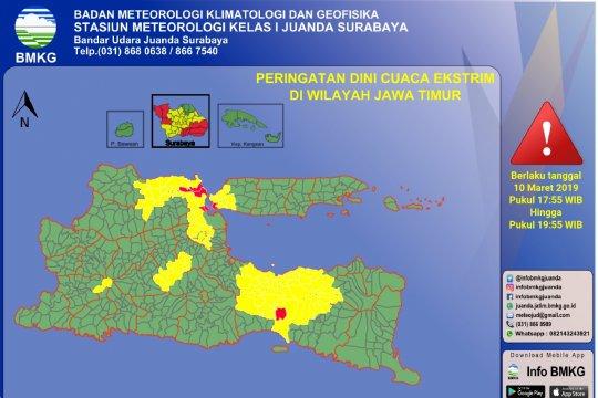 Sejumlah wilayah Jatim diperkirakan hujan lebat Senin malam