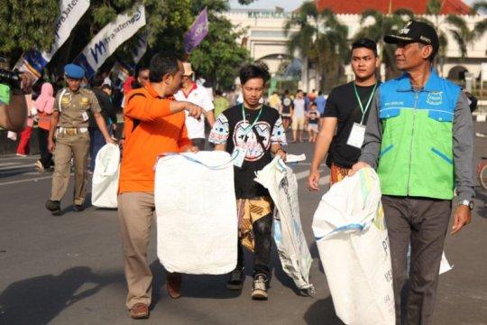 Peringatan hari peduli sampah diwarnai penandatanganan petisi