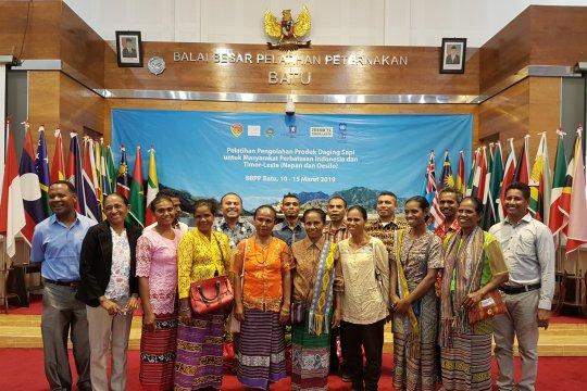Warga perbatasan Indonesia-Timor Leste ikuti pelatihan pengolahan daging sapi