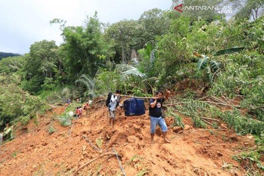 Akses transportasi putus, satu desa di Manggarai Barat terisolasi
