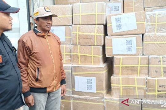 KPU Ambon mulai lipat surat suara pemilu