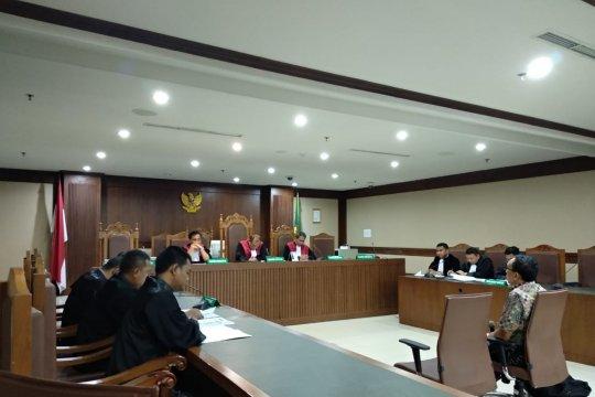 Sekjen dan bendahara KONI didakwa suap Deputi IV Kemenpora