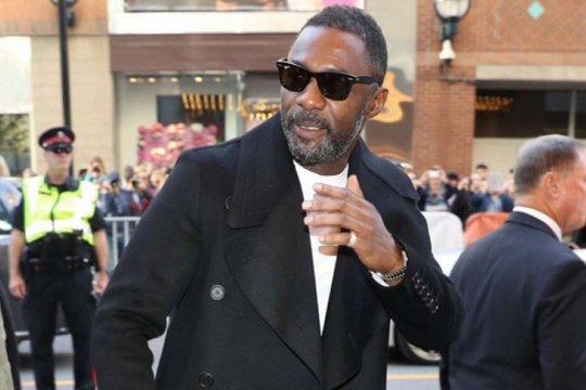"""Idris Elba positif corona, """"Aku tak punya gejala apa pun"""""""