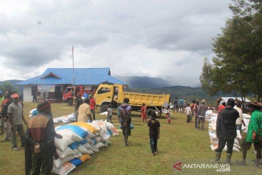 Bulog  salurkan rastra ke 7 kabupaten di Papua 2019