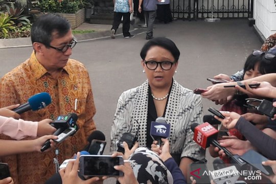 Menlu: Pertemuan Siti dengan Presiden permintaan keluarga